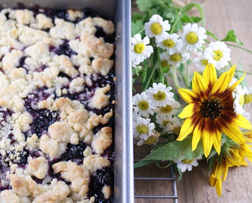 Blueberry Tarragon Crumble Bar Cookies and Summer Flowers