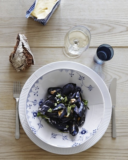 royal copenhagen launches blue elements porcelain honest. Black Bedroom Furniture Sets. Home Design Ideas