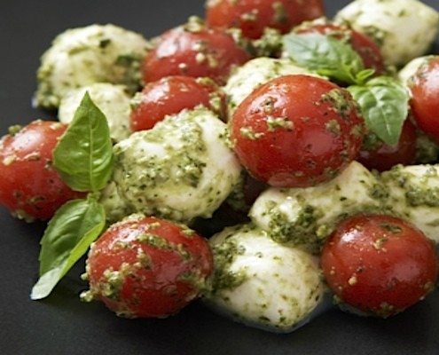 Pesto Cherry Tomato Caprese Salad - Honest Cooking