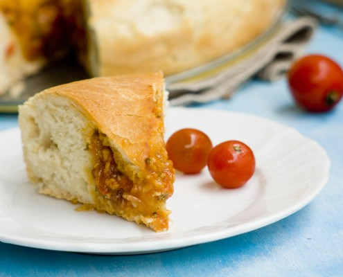 bread with anchovies and tomatoes