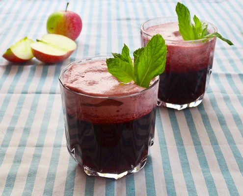Iced hibiscus apple pomegranate tea