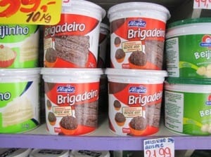 pots of ready-made brigadeiro