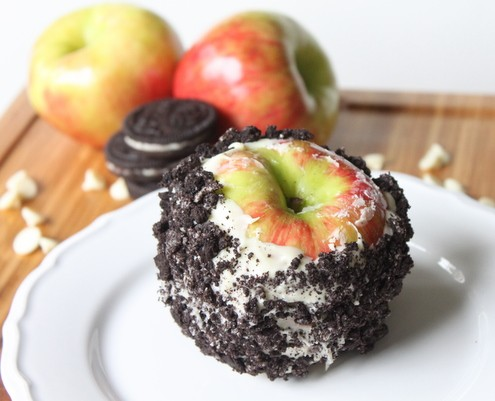 Cookies and Cream Candied Apples