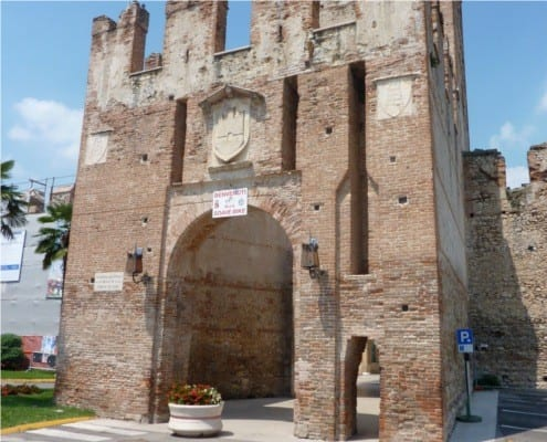 Gate to Soave Welcomes Bikers