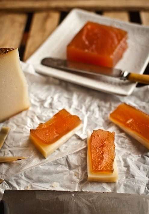 Apple paste with Manchego cheese