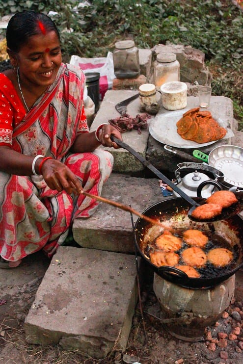 How Do They Cook Street Food In India