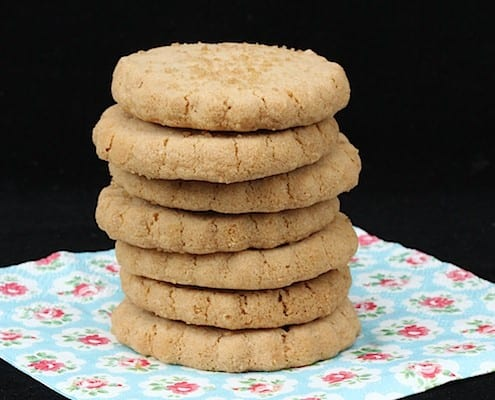 Biscoff Shortbread Cookies - crispy, buttery, Biscoff-y, simply amazing!