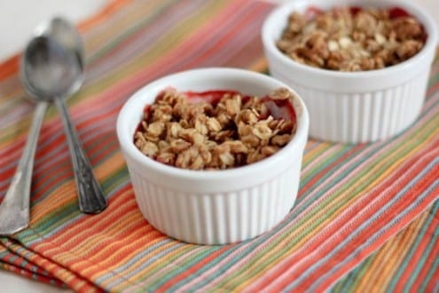 simple strawberry crumble | bake your day
