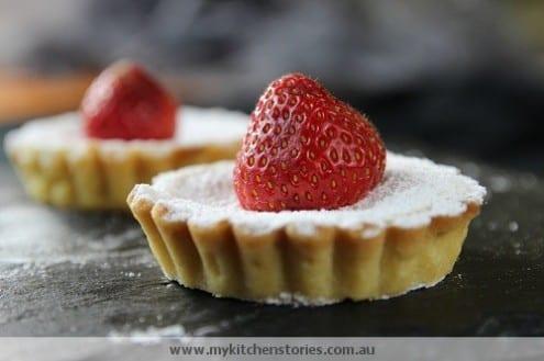 White chocolate strawberry tarts honest cooking for White chocolate and strawberry tart