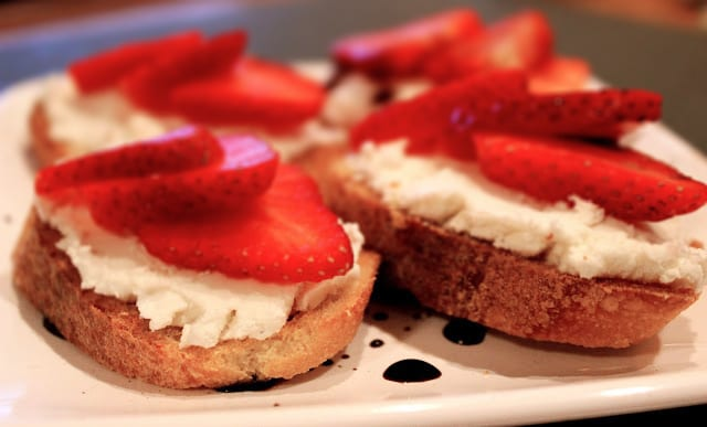 Strawberry and Goat Cheese Crostini