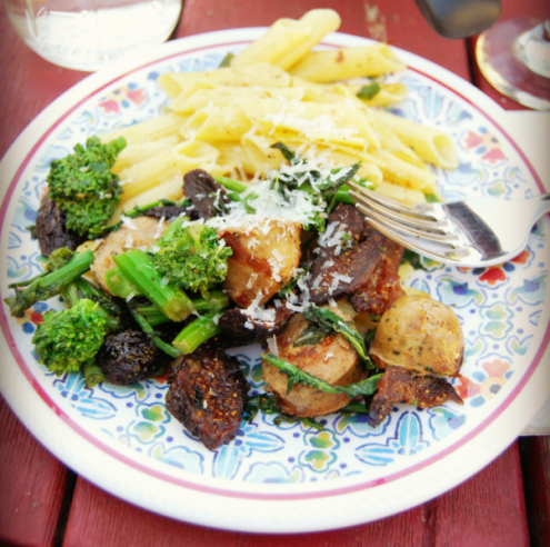 Broccoli Raab with Sausage, Black Mission Figs and Gluten-Free Hot Pepper Ziti