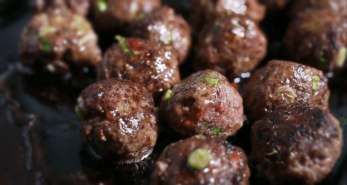 Meatballs with Dill-Coriander Yogurt