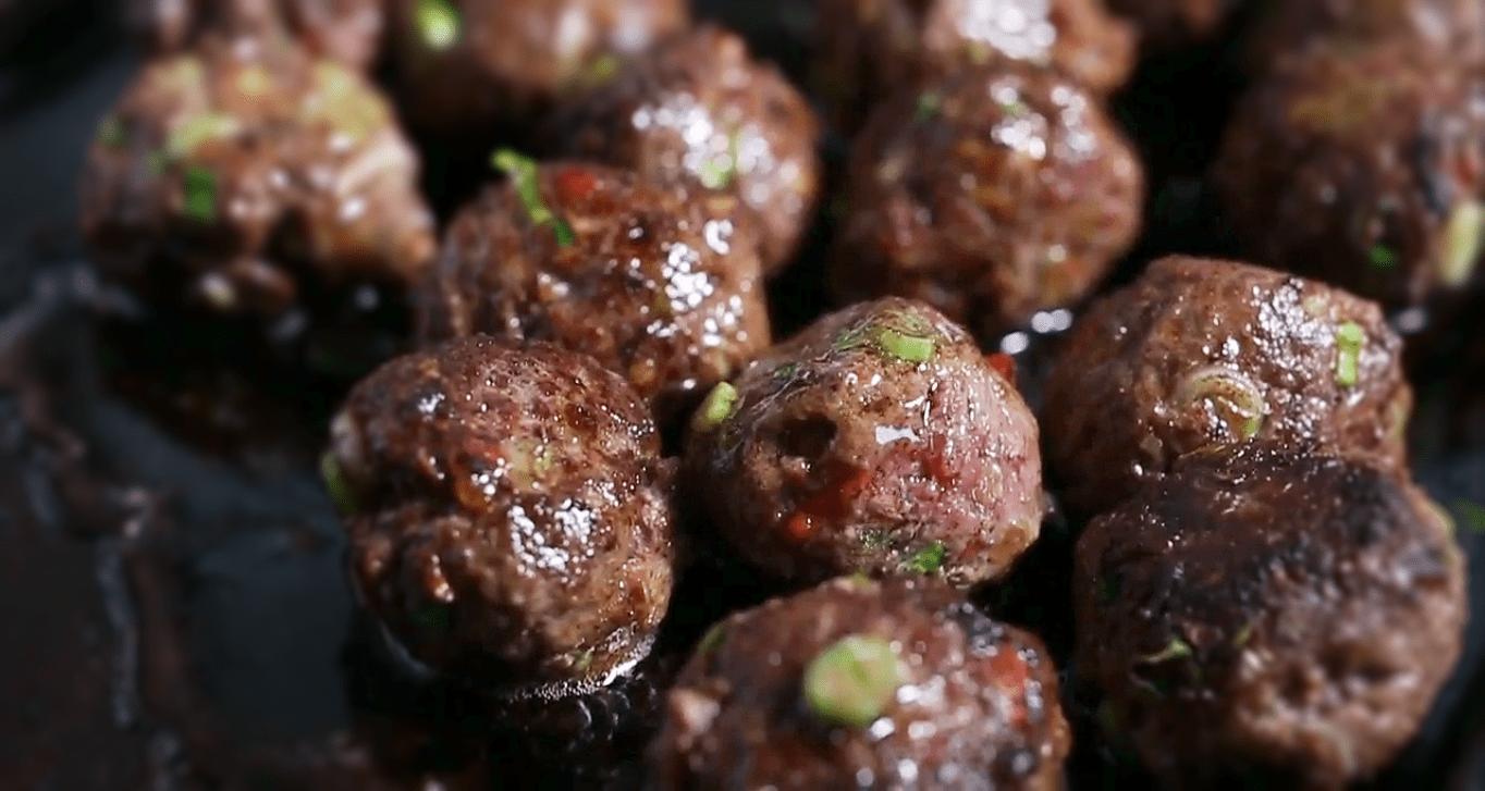 Meatballs with Dill-Coriander Yogurt