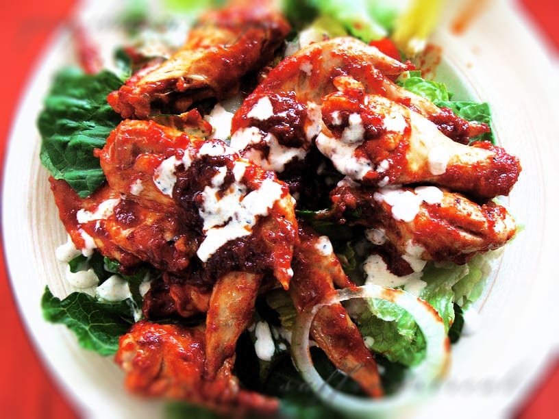 Hot and Spicy Chicken Wings with Barbecue Sauce