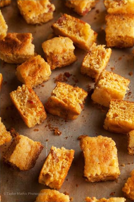 Bacon and Chipotle Gouda Cornbread Croutons – Honest Cooking