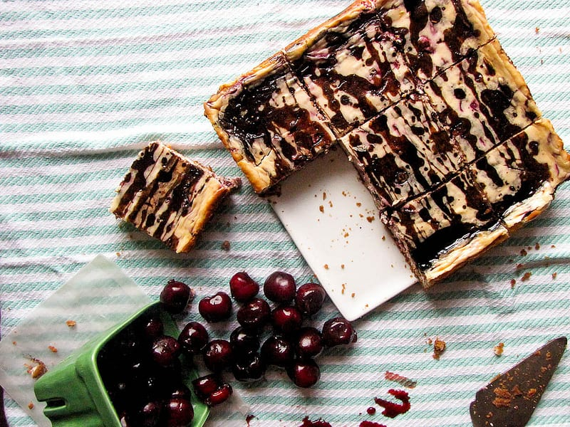 Cherry Balsamic Cheesecake Bars