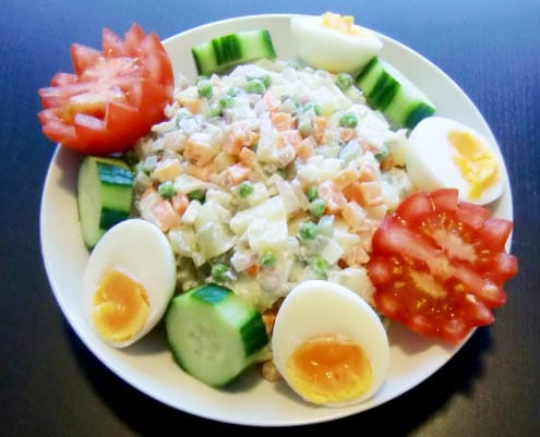 Huzarensalade: Dutch Salad Olivier