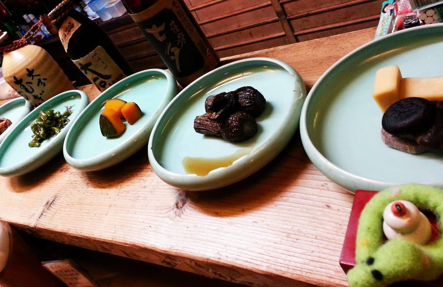 pickled vegetables on offer in a little back alley bar off Ponto-ch?