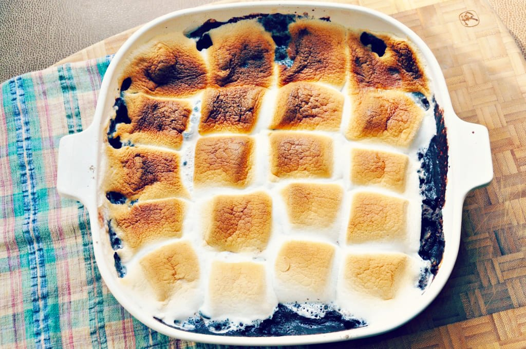 S'more Chocolate and Marshmallow Cobbler