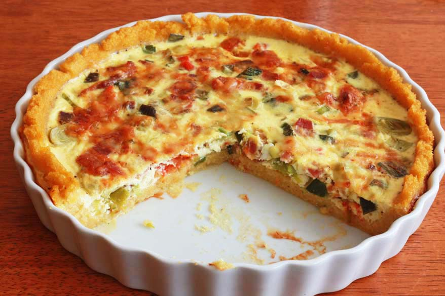 Bacon, Leek and Tomato Quiche with Polenta Crust