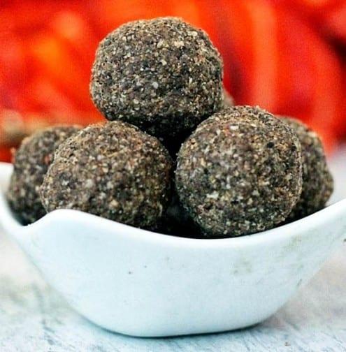 Black Sesame and Oats Ladoos