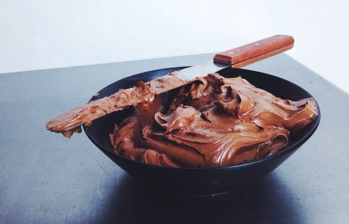 How to Make Classic Chocolate Frosting – Honest Cooking