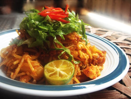 Mee Goreng: Fried Yellow Noodle