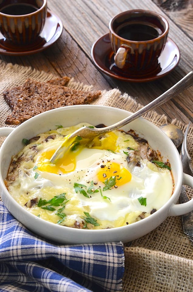 Cheesy Mushroom Baked Eggs for Two – Honest Cooking