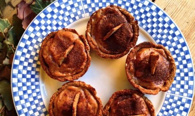 Carob-Persimon-Pastries-4-635x476