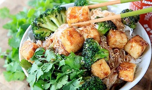 crispy-tofu-noodle-bowl-5