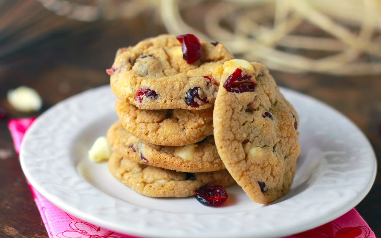 and white chocolate chip oatmeal cookies cranberry white chocolate ...