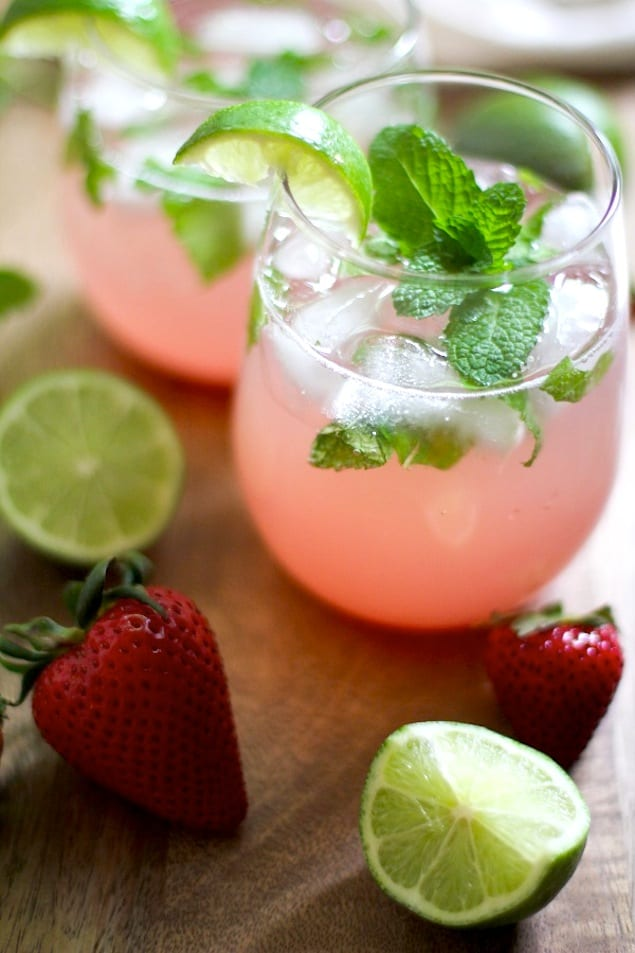 Strawberry_Rhubarb_Mint_Mojitos