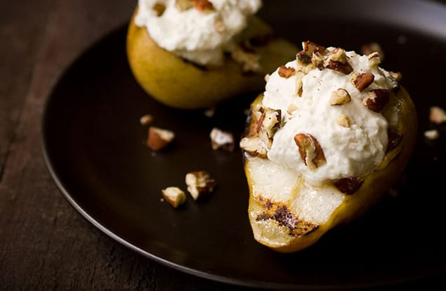 web-grilled-pears-with-roquefort_4892