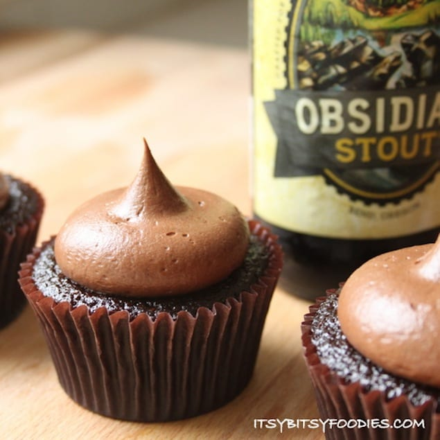 Chocolate Stout Cupcakes with Stout Fudge Frosting – Honest Cooking