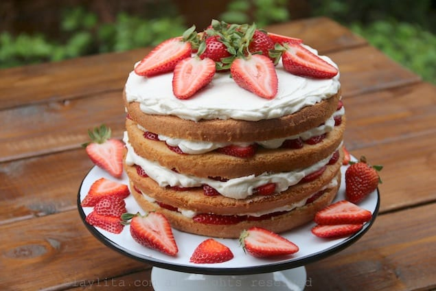 Strawberry-tall-cake-recipe