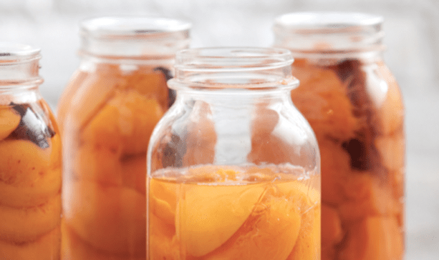 canned-peaches-with-bourbon