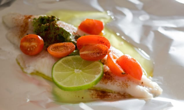 14507-pesto-catfish-packets-tomato-health-relish-spry