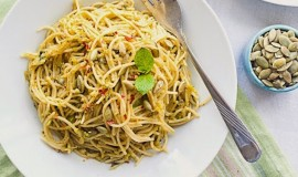 Spaghetti with mint avocado pesto (5 of 6)