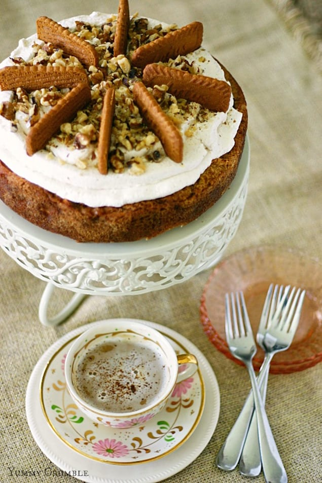 Biscoff-apple-spice-cake-cheesecake-6