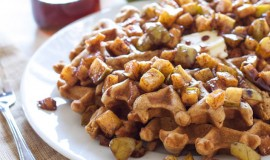CinnamonWaffleswithAppleTopping4