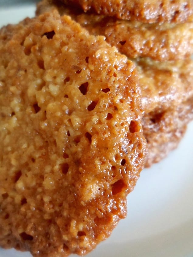 Florentines are delicate, crispy, lace cookies made of almonds and ...