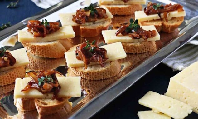 havarti_onion_crostini_2_web-600x900