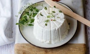 Homemade-Goats-Cheese-and-Foodie-Gift-Guide-4