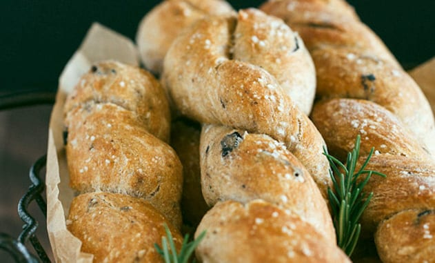 olive-rosemary-bread-4