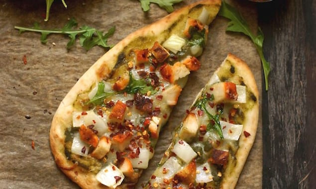 Chicken-Tikka-Naan-Pizza-7474_10-682x1024