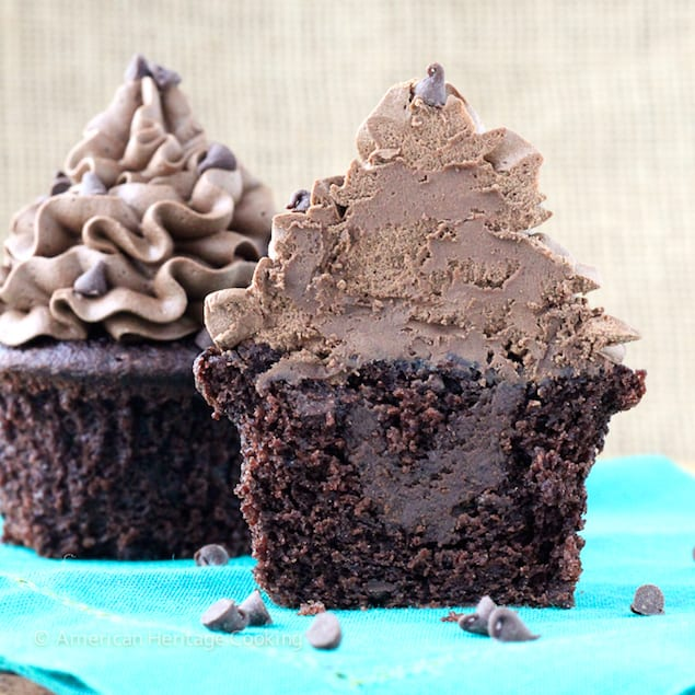Death By Dark Chocolate Filled Cupcakes Honest Cooking