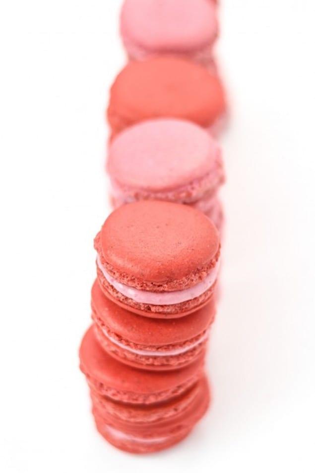 Raspberry-Almond-Macarons-0221-467x700