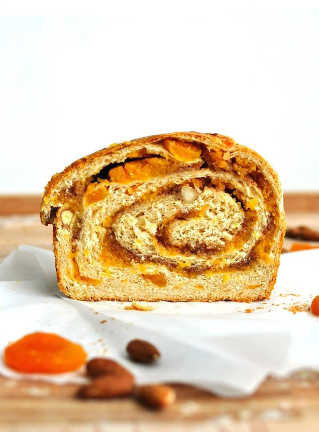 apricot-almond-bread-4