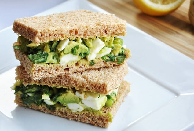 avocado-egg-salad-sandwich-lunch-quick-health-vegetarian-spry