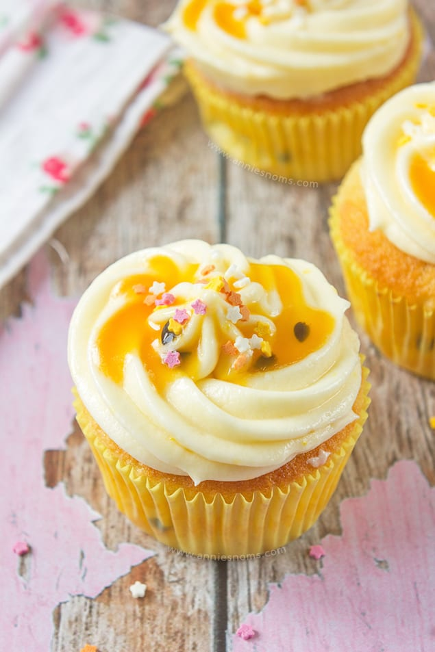 lemon-and-passion-fruit-cupcakes-7